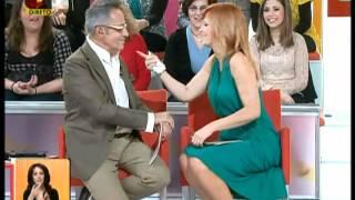 getlinkyoutube.com-Cristina Ferreira Com Uma Mama Quase De Fora Do Vestido ( Você Na Tv - 20-04-2012 )