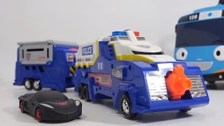 getlinkyoutube.com-캅건 캐리어 경찰 자동차 변신 놀이 장난감 월드카 [대문밖장난감]