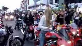 getlinkyoutube.com-mulherada de moto