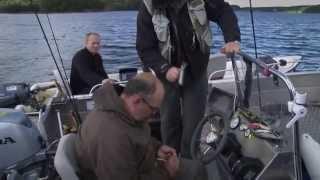getlinkyoutube.com-Wyciąganie kotwiczki z dłoni po samozacięciu podczas wyhaczania ryby