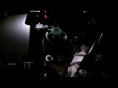 BMW E60 5 SERIES   КАК И КАКОЕ МАСЛО ДОБАВИТЬ В БАЧОК ГУР.
