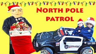getlinkyoutube.com-LITTLE HEROES  North Pole Patrol featuring Gru the Helper and Kid Cops