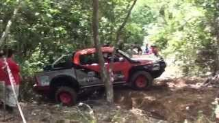 getlinkyoutube.com-Toyota hillux 4x4 International Challenge Taiping 2012 (MOREXtreme)Malaysia