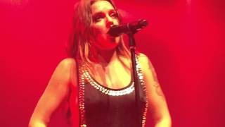 getlinkyoutube.com-Tove Lo - Talking Body LIVE 10/21/15 NYC [NSFW]
