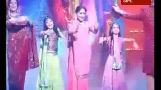 getlinkyoutube.com-Iccha and Tappu dance to Bollywood numbers