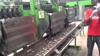 Full automatic cashew shelling machine