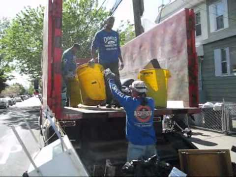 Queens Garbage Collection Service NYC. Pick up junk & disposal of trash