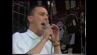 getlinkyoutube.com-Curt Smith Tears For Fears  Everybody Wants To Rule The World Live Mandela Day Wembley 1988