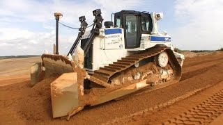 getlinkyoutube.com-Cat D6T Dozer With Trimble 3D GPS Laying Out Base Materials
