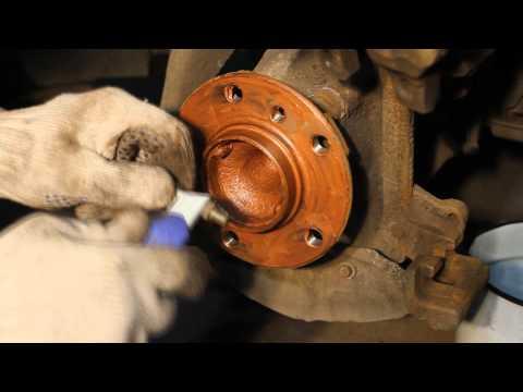 Как поменять тормозные диски и колодоки на BMW F30 320i