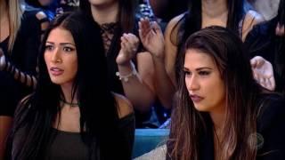 getlinkyoutube.com-Simone & Simaria se impressionam com apresentações do Talento Tamanho Família