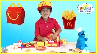 getlinkyoutube.com-McDonald's Happy Meal Toy Pretend Play Food! Cash Register Hamburger Maker French Fries Shake
