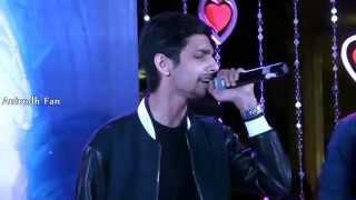 Aakko - Enakenna Yaarum Illaye   Anirudh Live Performance