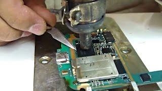getlinkyoutube.com-Samsung Galaxy S3 dead repair by changing EMMC