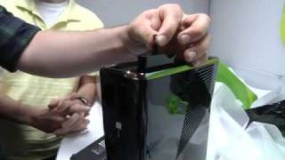 getlinkyoutube.com-Xbox 360 Slim Unboxing