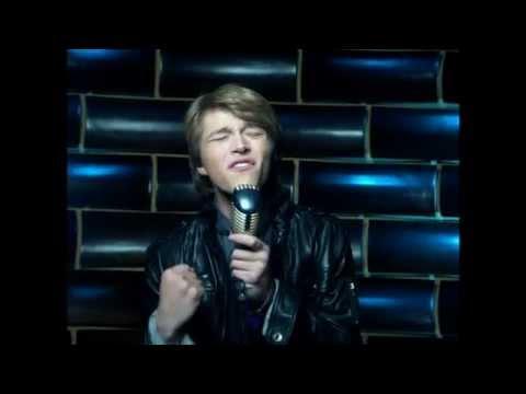 Sterling Knight En Español de Christopher Wilde Letra y Video