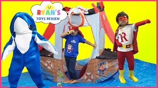 getlinkyoutube.com-SUPERHERO KID SHARK attack dolphin! Ryan ToysReview T-Shirt Treasure Hunt Surprise Toys Kid Candy