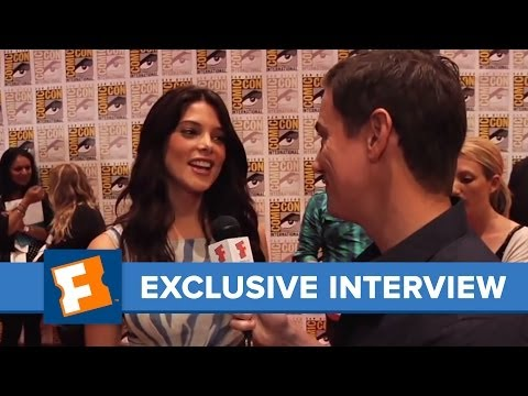Twilight Breaking Dawn - Ashley Greene Comic-Con 2011 Exclusive Interview