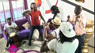 getlinkyoutube.com-Adja Diallo en mode Sabar sur le Plateau de Yendouleen le jour de son anniversaire