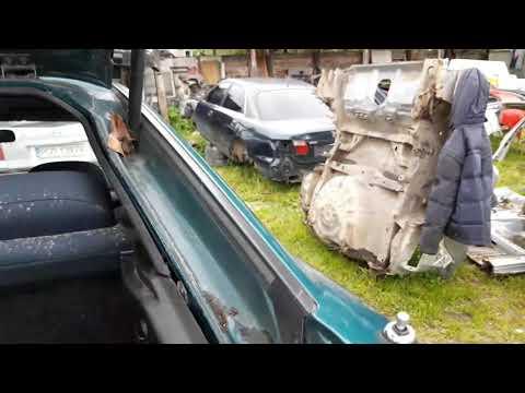 Разбираем багажник Mazda 323f BA