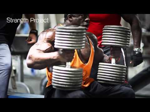 Chest and Shoulders with @KaliMuscle @MetroFlex LBC