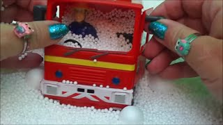 getlinkyoutube.com-Fireman Sam Winter Snow Surprise Egg Toy Opening