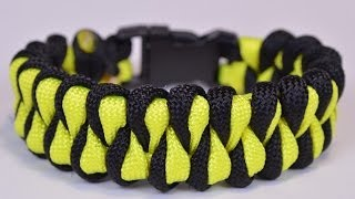 "getlinkyoutube.com-Make the ""Growling Dog"" Paracord Survival Bracelet - DIY - BoredParacord"