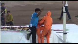 getlinkyoutube.com-EXO TAO 受傷 Got Injured During High Jump Acident  @ idol olympics
