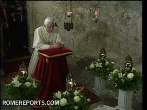 Pope visits Saint Paul�s grotto in Malta