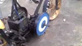 getlinkyoutube.com-la moto mas rara del mundo