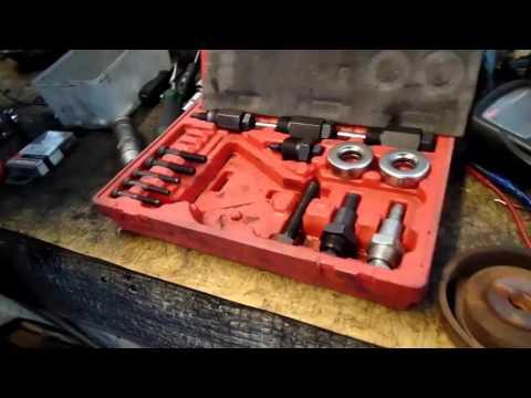 Замена подшипника муфты кондиционера и натяжного ролика в паджеро пинин 1,8 литра