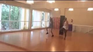 getlinkyoutube.com-Martina Stoessel dançando via instagram