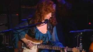 "getlinkyoutube.com-John Lee Hooker and Bonnie Raitt play ""I'm In The Mood"""