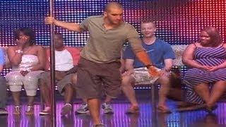 getlinkyoutube.com-Guy's Leg Falls Off While Hypnotized On Stage!