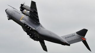 getlinkyoutube.com-Unbelievable Airbus A400 vertical take-off + Amazing Air Show - Paris Air Show 2013 ( HD )