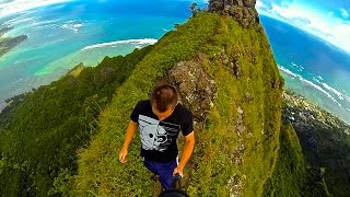"getlinkyoutube.com-""The Most Dangerous Hike on Oahu"" Pu'u Manamana"