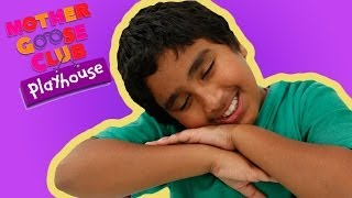 getlinkyoutube.com-Grandma's Spectacles | Mother Goose Club Playhouse Kids Video