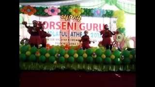 Tari Papua Perang Yamko (RA Hidayatulloh - Ubi SBY) Lomba Porseni 2015