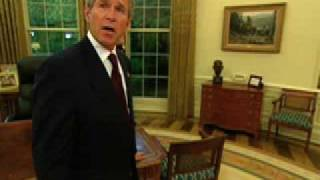getlinkyoutube.com-George W. Bush  gives tour of the Oval Office (White House)
