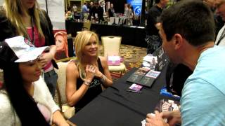 getlinkyoutube.com-Dan Cunliffe doing magic tricks for Nikki Ziering & Candace Kita