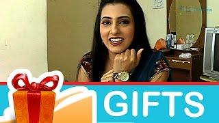 getlinkyoutube.com-Additi Gupta's Gift Segment