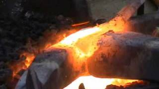 getlinkyoutube.com-forge  welding small anchor.wmv