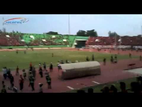 Ini Detik-Detik Kerusuhan Persis vs Martapura FC di Manahan