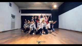 getlinkyoutube.com-EXO x SEVENTEEN   Love Me Right & Adore U