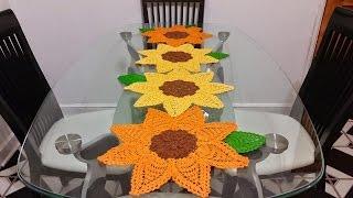 getlinkyoutube.com-🌻Girasoles en crochet #2🌻para camino de mesa