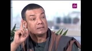 هشام الجخ يبكي مقدمي برنامج حلوة يا دنيا بقصيدته عن الأم - طبعا ماصليتش العشا