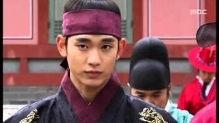 getlinkyoutube.com-Kim Soo Hyun, 김수현, 金秀賢, Moon Sun, 해품달 - short V. - BAP