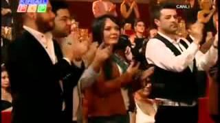 İbrahim Tatlıses Kral Tv Ödüllerinde Elindeki Bastonu Fırlattı
