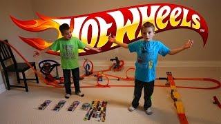 getlinkyoutube.com-Hot Wheel cars BIG TRACK racing toys