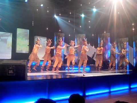 MTsN 1 Surabaya: Tari Sajojo Xpresi Kabaret TVRI